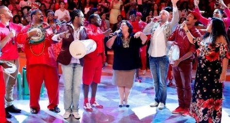 """""""Esquenta"""" hoje (12/05/2013): 'Regina Casé faz festa para a família no Dia das Mães'"""