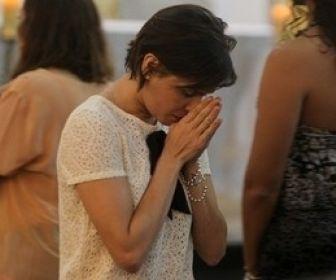 Após término do namoro, Deborah Secco não será mais Irmã Dulce no cinema