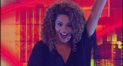 Juliana Alves acerta retorno às novelas