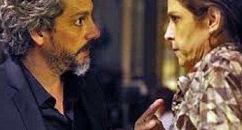 Império: Cora revela ser apaixonada por José Alfredo