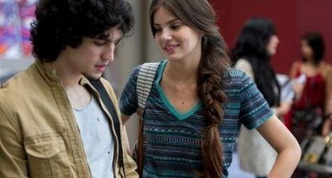 Verdades Secretas: Gabriel Leone e Camila Queiroz se destacam em cena