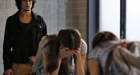 Verdades Secretas: primeiro capítulo tem humilhação dentro da escola