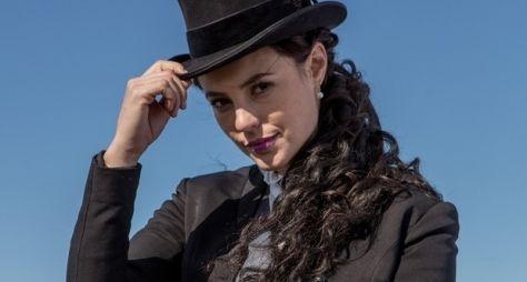Além do Tempo: Paolla Oliveira está radiante com novo papel e visual