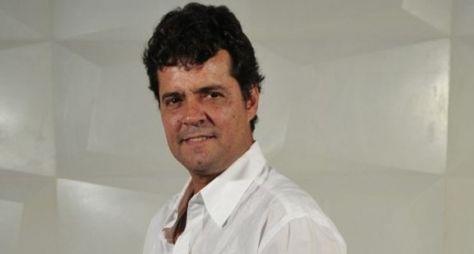 Felipe Camargo grava com Kim Cattrall