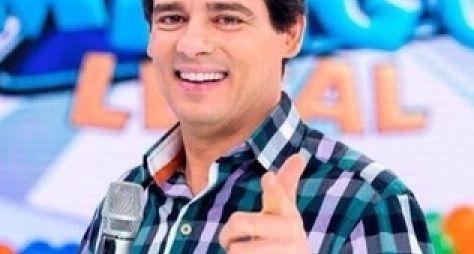 Celso Portiolli perde espaço aos domingos e ganha novo programa no SBT