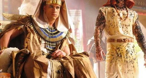 Os Dez Mandamentos: na quarta praga, Egito é atingido por enxame de moscas