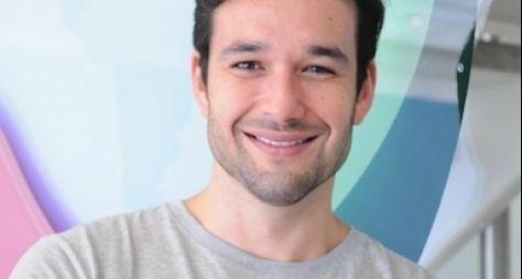 Sérgio Marone será narrador de especial na Record