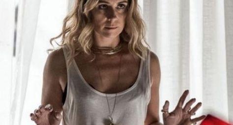 A Regra do Jogo: Atena fica em pânico ao encontrar suas vítimas