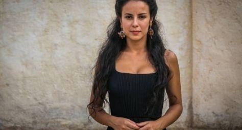 Liberdade Liberdade: Estafa afasta Andréia Horta das gravações