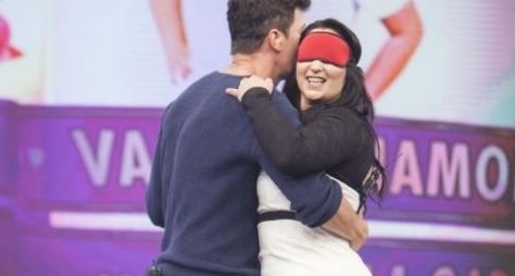 Fabíola Gadelha procura namorado e beija o rapaz no Hora do Faro