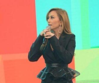 Record TV comemora audiência do Programa da Sabrina
