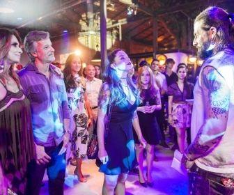 Sol Nascente: Noite romântica no Rota 94 inspira casais