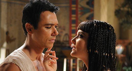 Angelo Paes Leme e Larissa Maciel em cena. Foto: Divulgação