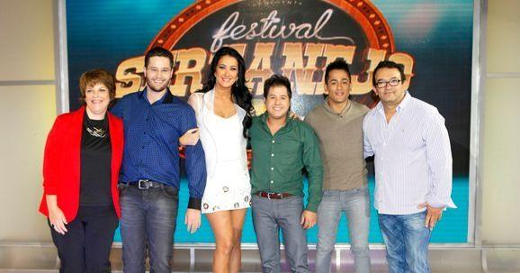 Leonor, Pedro, Helen, Hugo, Tiago e Rommel (Foto: Lourival Ribeiro/SBT)
