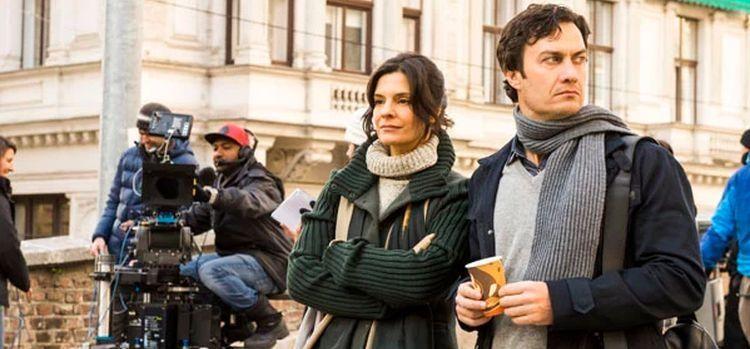 Gabriel Braga Nunes e Helena Ranaldi gravam em Viena, na Áustria (Foto: João Miguel JR./Globo)