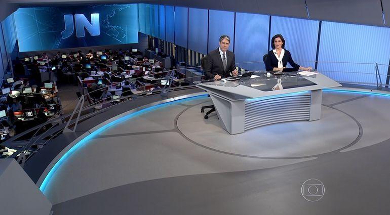 William Bonner e Renata Vasconcellos no início do jornal (Foto: Reprodução/TV Globo)