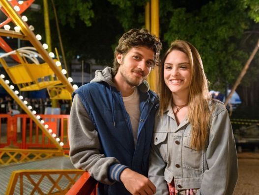 Pedro (Chay Suede) e Helô (Isabelle Drummond). Foto: Globo