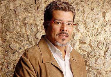 """Maurício Mattar deixa o elenco da novela """"Aquele Beijo"""""""