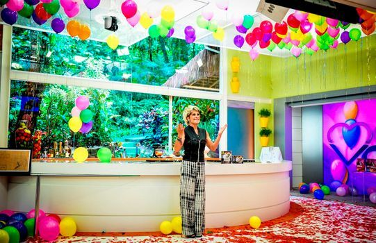 Ana Maria Braga ganha festa surpresa no Mais Você  Bastidores