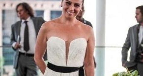 "Vestida de noiva, Giovanna Antonelli grava as últimas cenas de ""Salve Jorge"""