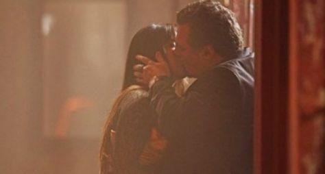 Plantão Salve Jorge: Jô e Russo se beijam no último capítulo