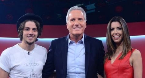 "Chay Suede volta à Record e participa do ""Roberto Justus +"""