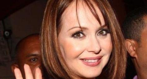 Gabriela Spanic interpretará gêmeas Ruth e Raquel em remake de Mulheres de Area