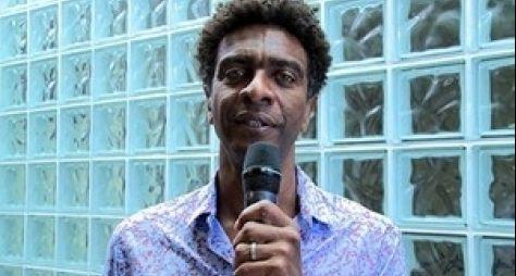 Ex-casseta, Hélio de La Peña deve voltar às telinhas