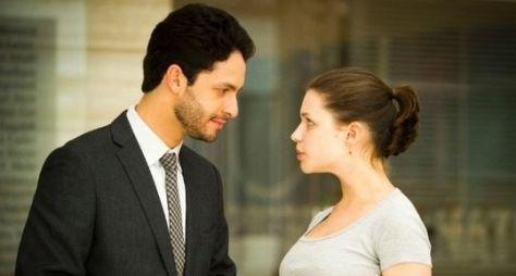 """Saiba como será o beijo entre Rafael e Linda em """"Amor à Vida"""""""