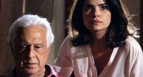 Amor à Vida: César começa a desconfiar de Aline