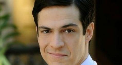 Mateus Solano é eleito personalidade do ano de 2013
