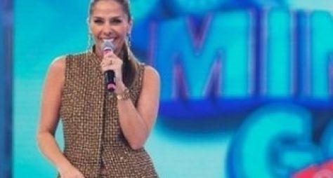 Sem contrato com Record, Adriane Galisteu aguarda convite de emissoras