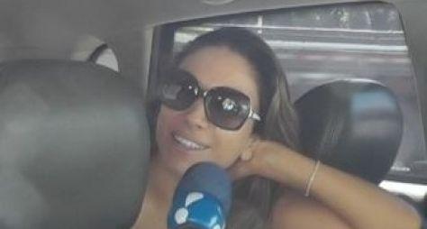 Equipe do Morning Show causa tumulto para entrevistar Patrícia Abravanel