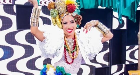 Patricia Abravanel vira cover de Carmen Miranda no Máquina da Fama