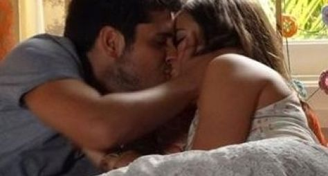 Bruna Marquezine fará cena de sexo 'apimentada' na novela Em Família