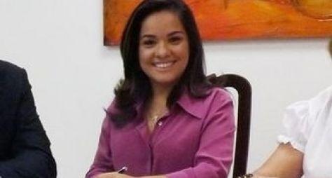 SBT Rio renova contrato da jornalista Isabele Benito