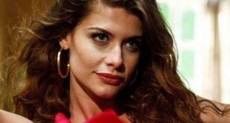 Alinne Moraes pode viver Eny Cezarino em minissérie