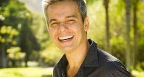 Otaviano Costa comandará quiz no Vídeo Show