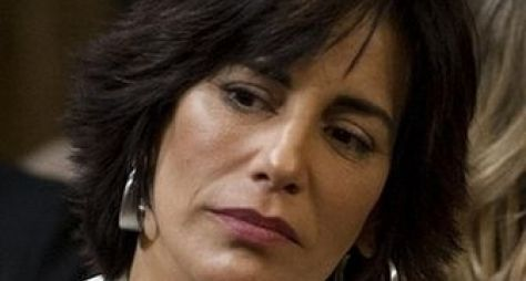 Gloria Pires terá personagem polêmico em Três Mulheres, diz jornal