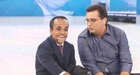 Marcelo Rezende e Rodolfo, da dupla ET, são os destaques do Domingo Show