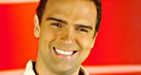 Tadeu Schmidt quer virar narrador de futebol na Globo
