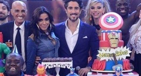 Marcos Mion comemora 4 anos de Legendários com Anitta e É o Tchan