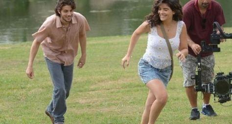 Vanessa Giácomo e Chay Suede gravam cena de Falso Brilhante