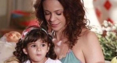 Em Família: Juliana tenta seqüestrar Bia e acaba indo morar na favela