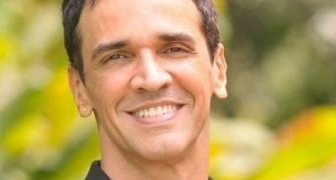 Marcelo Saback trabalha em novela mesmo sem aprovação da Globo