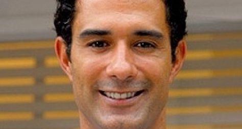 Marcos Pasquim é confirmado em Babilônia, novela de Gilberto Braga