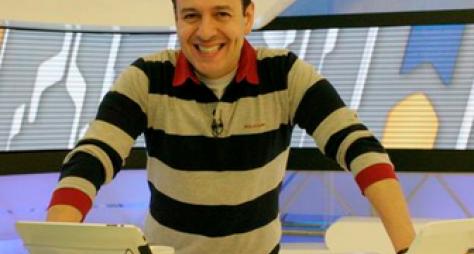 Celso Zucatelli garante sua permanência no Hoje em Dia
