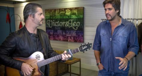 Sai do Chão: Victor & Léo gravam no palco do programa