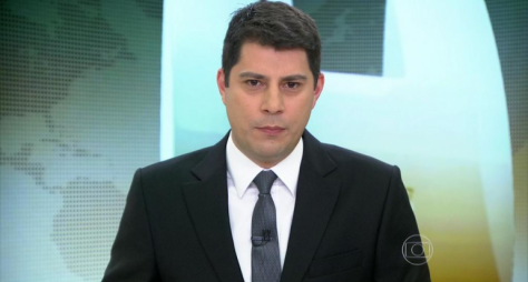 Evaristo Costa apresentará o Fantástico durante férias de Tadeu Schmidt