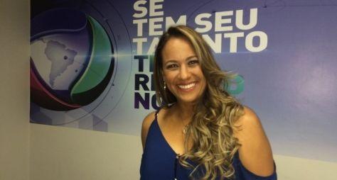 Renata Alves continuará sendo repórter na Record
